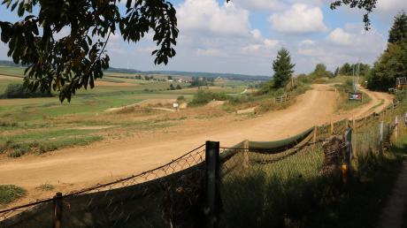 Seit 1976 sind Motorsportbegeisterte auf dieser Renn-Strecke am Windsberg bei Minderoffingen unterwegs. Am Samstag ist dort ein Fahrer tödlich verunglückt.