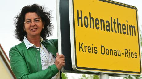 Alles im Griff: Martina Göttler ist seit gut 100 Tagen Bürgermeisterin der Südrieser Gemeinde Hohenaltheim.