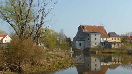 """Neben dem ehemaligen Kloster soll ein künftiger """"Wörnitzpark"""" die Mühle, den Pfarrgarten und die ortsnahe Auenlandschaft aufwerten."""