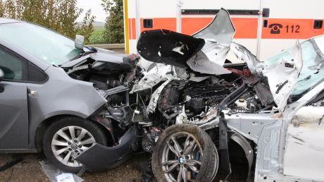 Zwischen Kleinerdlingen und Holheim hat sich am Mittwochvormittag ein Unfall mit mehreren Verletzten ereignet.