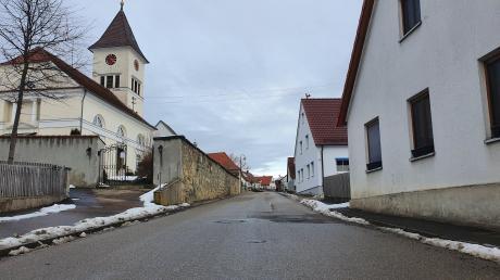Die Bollstädter Straße in Aufhausen soll in diesem und im nächsten Jahr saniert werden. Das hat der Forheimer Gemeinderat in seiner jüngsten Sitzung beschlossen.