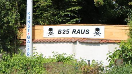 In den Streit um den künftigen Verlauf der Bundesstraße 25 in Möttingen kommt keine Ruhe. Zwei Bürgerinitiativen kämpfen für ihre Ziele.