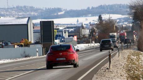 """Die Bürgerinitiative """"B25 Mittendrin"""" richtet sich gegen eine Umfahrung außerhalb Möttingens."""