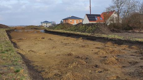 Im Deininger Wohnbaugebiet Nord finden derzeit noch Grabungsarbeiten statt. Die Erschließungskosten stehen im Haushaltsentwurf.