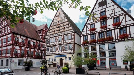 Die Krone in Oettingen soll wieder strahlen: Für die Generalsanierung von Hotel und Gasthof sowie dem Kronensaal laufen die Vorarbeiten. Parallel dazu sucht die Stadt nach einem Betreiber oder einer Betreiberin.