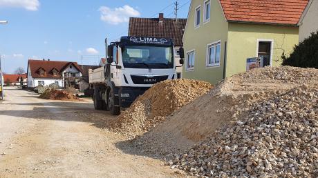 In  werden die Straßen erneuert, das größte Projekt im Ederheimer Haushalt 2021.