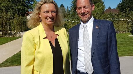 Im Rahmen ihres Besuchs zur Landesgartenschau in Wassertrüdingen hatte sich Bayerns Bauministerin Kerstin Schreyer vor Ort zusammen mit Bürgermeister Stefan Ultsch über die zu reaktivierende Strecke informiert.
