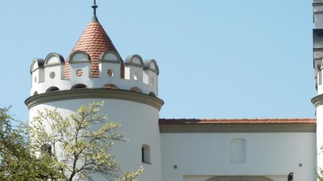 Schloss Alerheim ist seit 1979 im Besitz von Familie Appl. Die Ansicht des renovierten Schlosstores stammt aus dem Jahr 2010.