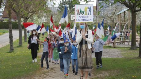 Einer kleiner Stabenumzug fand an der Grundschule in Löpsingen statt.