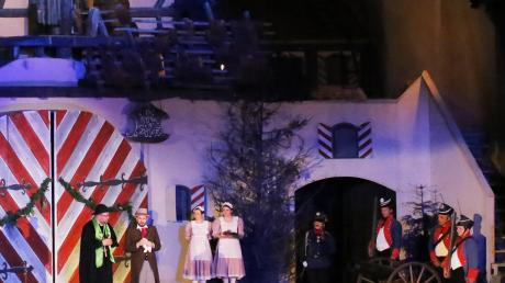 """Aufführung des Stückes """"Das Wirtshaus im Spessart"""" im Jahr 2019 auf der Freilichtbühne Nördlingen."""