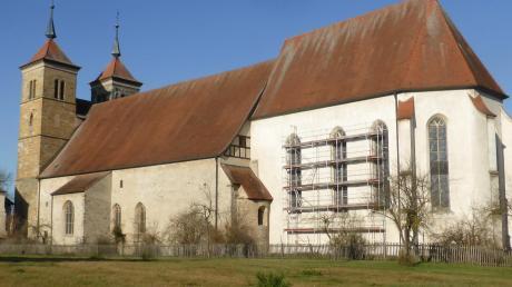 Der Dachstuhl der Klosterkirche in Auhausen soll saniert werden. Das ist nicht das einzige Projekt, das die Gemeinde angeht. Dennoch will Auhausen für dieses Haushaltsjahr keinen Kredit aufnehmen.