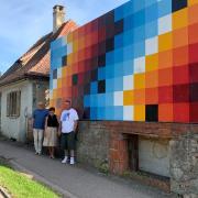 Die Initiatoren des Kunstwerks in Löpsingen (von links): Wolfgang Mussgnug, Gudrun-Gerbert-Löfflad und Sebastian Wolf.
