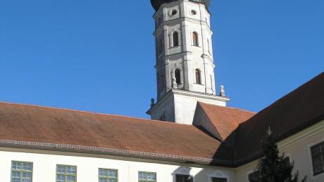 Viel Kritik gab es im Kreistag an der Idee, das Kloster Mönchsdeggingen – hier im Bild die Klosterkirche – zu einem Besucherzentrum für den Geopark Ries zu machen.