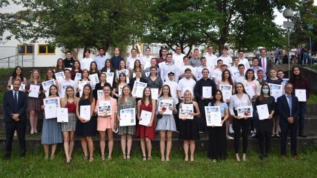Am Ostalbgymnasium in Bopfingen wurden 56 Schülerinnen und Schüler verabschiedet.