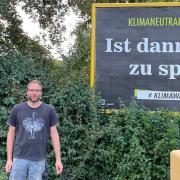 Michael Völklein hat zehn Plakate im Raum Oettingen gebucht und somit die Plakataktion eines Vereins unterstützt.