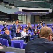 Christoph Schmid hat sich am Dienstag seinen Fraktionskollegen von der SPD vorgestellt. Die Fraktion tagte wegen der Corona-Regeln im großen Sitzungssaal.