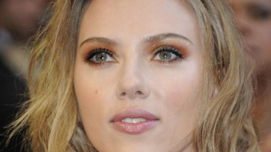 Nacktbilder Scarlett Johansson Nackt Im Internet Hacker Gesteht