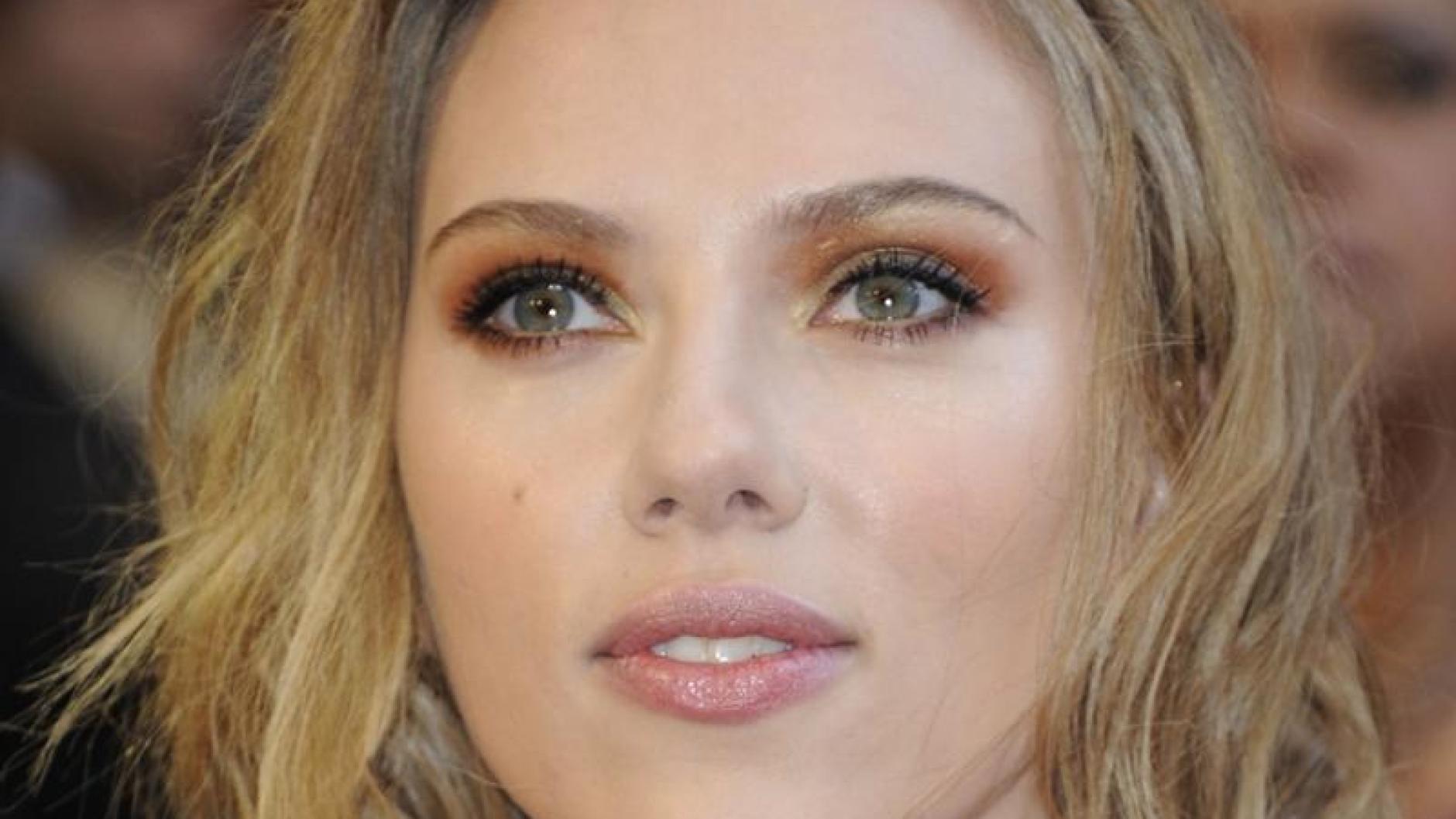 Nacktbilder: Scarlett Johansson nackt im Internet: Hacker