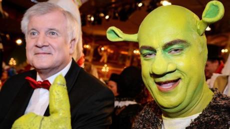Müssen wir heuer auf solche Anblicke verzichten? Markus Söder (hier als Shrek) und Horst Seehofer fehlen möglicherweise beim Fasching in Franken.