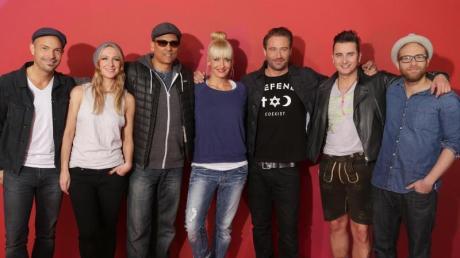 Roger Cicero (l-r), Sandra Nasic, Xavier Naidoo, Sarah Connor, Sasha, Andreas Gabalier und Gregor Meyle. Foto: Jörg Carstensen