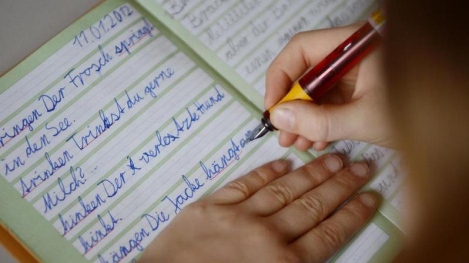 Schule Verlernen Die Kinder Das Schreiben Nachrichten Bayern