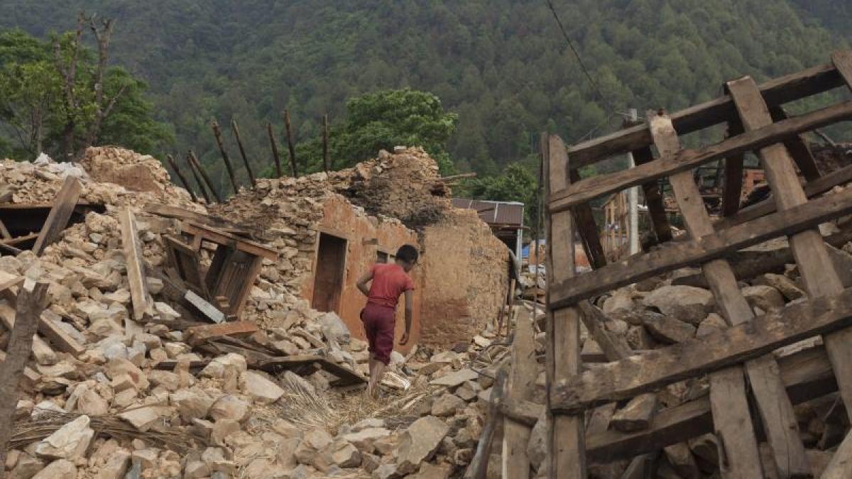 erdbeben zahl der erdbebentote im himalaya steigt weiter promis kurioses tv augsburger. Black Bedroom Furniture Sets. Home Design Ideas