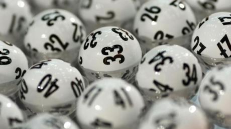 Glückskugeln:Knapp 34 Millionen Euro gehen in die Hauptstadt. Foto: Fredrik von Erichsen