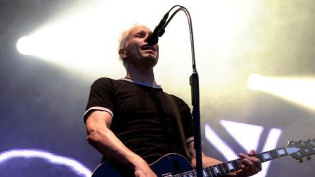 Farin Urlaub, Sänger und Gitarrist der Ärzte auf der Bühne. Foto: Matthias Balk