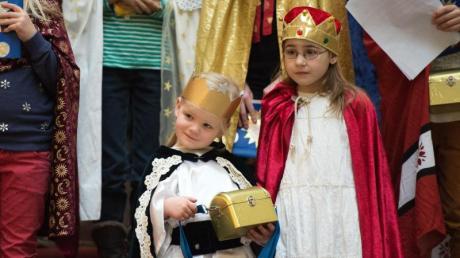 """""""Heilige Drei Könige"""" 2020 ist nur in drei Bundesländern ein Feiertag. In den Wochen zuvor und heute am 6.1.20 kommen auch die Sternsinger. Infos zu """"Heilige Drei Könige"""": hier."""