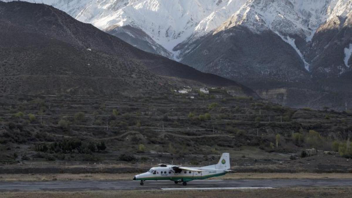 tara air polizei entdeckt verschwundenes flugzeug in nepal 23 menschen tot promis kurioses. Black Bedroom Furniture Sets. Home Design Ideas