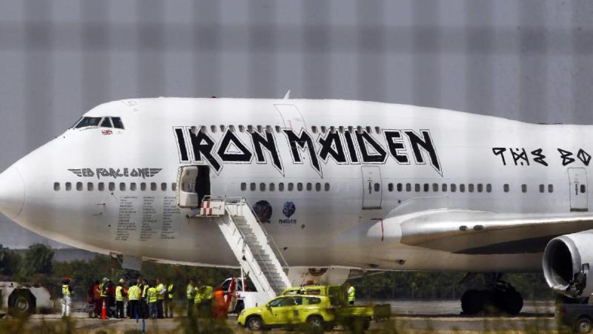 unfälle: iron-maiden-flugzeug bei unfall schwer beschädigt - promis
