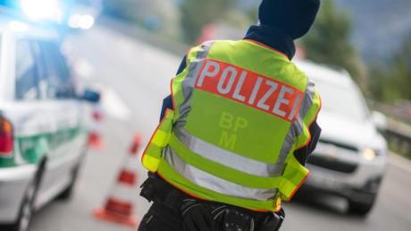 In den Osterferien gibt es verstärkt Kontrollen an der bayerisch-österreichischen Grenze. Foto: Matthias Balk/Archiv