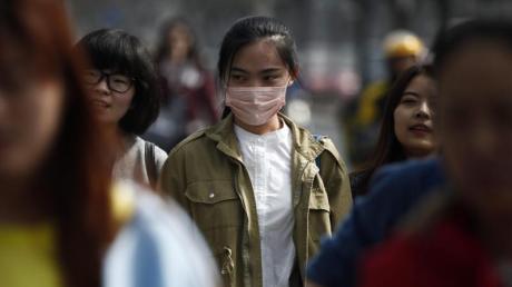 In China gibt es bereits 59 Erkrankte der mysteriösen Lungenkrankheit. Die WHO beobachtet die Situation.
