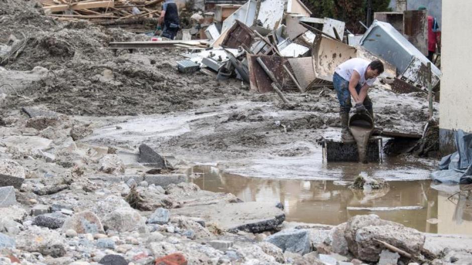 Wetter Mann In Simbach Findet Nach Flut Vergrabenes Vermögen Wieder