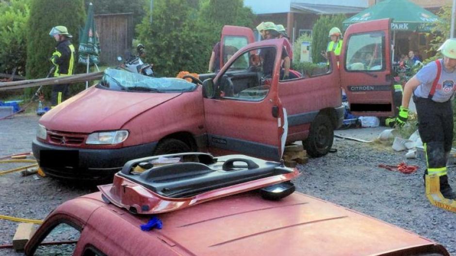 Rheinland Pfalz Schwere Rettung 250 Kilo Mann Beim
