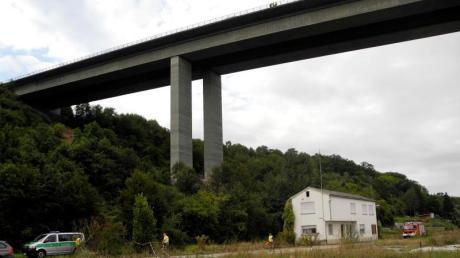Unterhalb dieser Brücke wurden die Leichen gefunden.