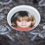 """""""Mordfall Peggy – Der Täter ist noch unter uns"""": Vorschau auf die Doku bei Sat.1. Im Mai 2001 ist das damals neunjährige Mädchen aus Lichtenberg (Kreis Hof) auf dem Heimweg von der Schule spurlos verschwunden."""
