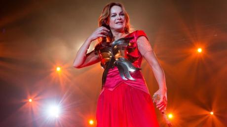 Die Schlagersängerin präsentiert ihre neue Show auch in ihrer Heimatstadt Krefeld. Foto: Maja Hitij
