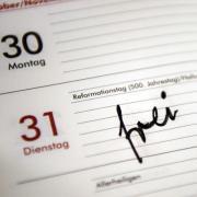 Eine breite Mehrheit der Erwachsenen in Deutschland ist dafür, dass der Reformationstag künftig bundesweit ein Feiertag ist. Foto: Sebastian Gollnow