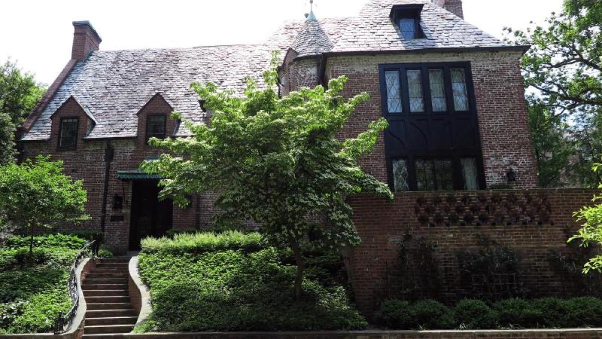 immobilie erstanden obamas kaufen haus in washington f r 8 1 millionen dollar promis. Black Bedroom Furniture Sets. Home Design Ideas