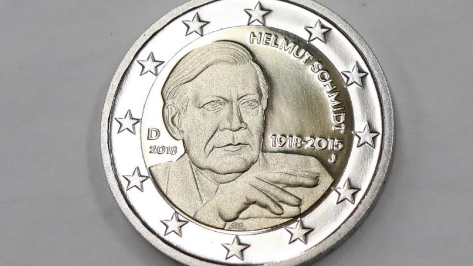 Gedenken An Altkanzler Helmut Schmidt In Der Tasche Neue Zwei Euro