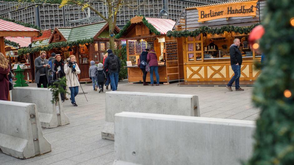Weihnachtsmarkt Berlin Beginn.Breitscheidplatz Wie Berlin Nach Dem Anschlag Auf Dem