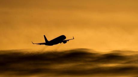 Das «ungebührliche Verhalten eines Gastes» hat eine Passagiermaschine zu einer ungeplanten Landung gezwungen.