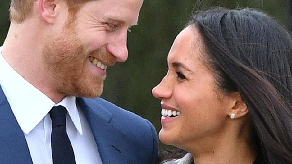 Royals Harrys Und Meghans Hochzeitstorte Begluckt Das Ganze