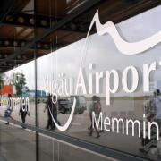 Die Polizei hat etliche Schulschwänzer am Flughafen in Memmingen geschnappt. Foto: Andreas Gebert