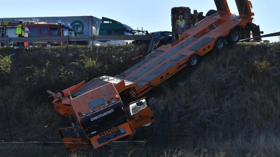 Vier Menschen Sterben Unfall Tragödie Auf Der A9 Promis Kurioses