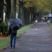 Die Temperaturen bleiben mild, aber es gibt Regen. Foto: Henning Kaiser