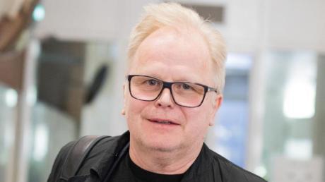 Der Sänger Herbert Grönemeyer plaudert ein bisschen aus dem Nähkästchen. Foto: Rolf Vennenbernd
