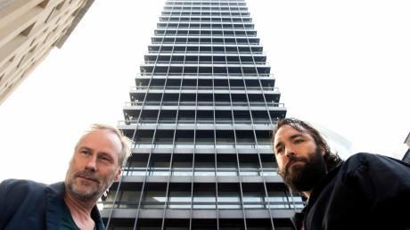 """Mit """"Der Turm"""" zeigt die ARD am Mittwoch eine Tatort-Premiere außerhalb der Reihe. Im Bild Paul Brix (Wolfram Koch, links) und Jonas (Isaak Dentler)."""