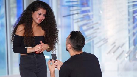 "DSDS heute: Georgios ""Jorgo"" Alatsas aus Ludwigshafen macht seiner Freundin Bana Hamawandi einen Heiratsantrag."
